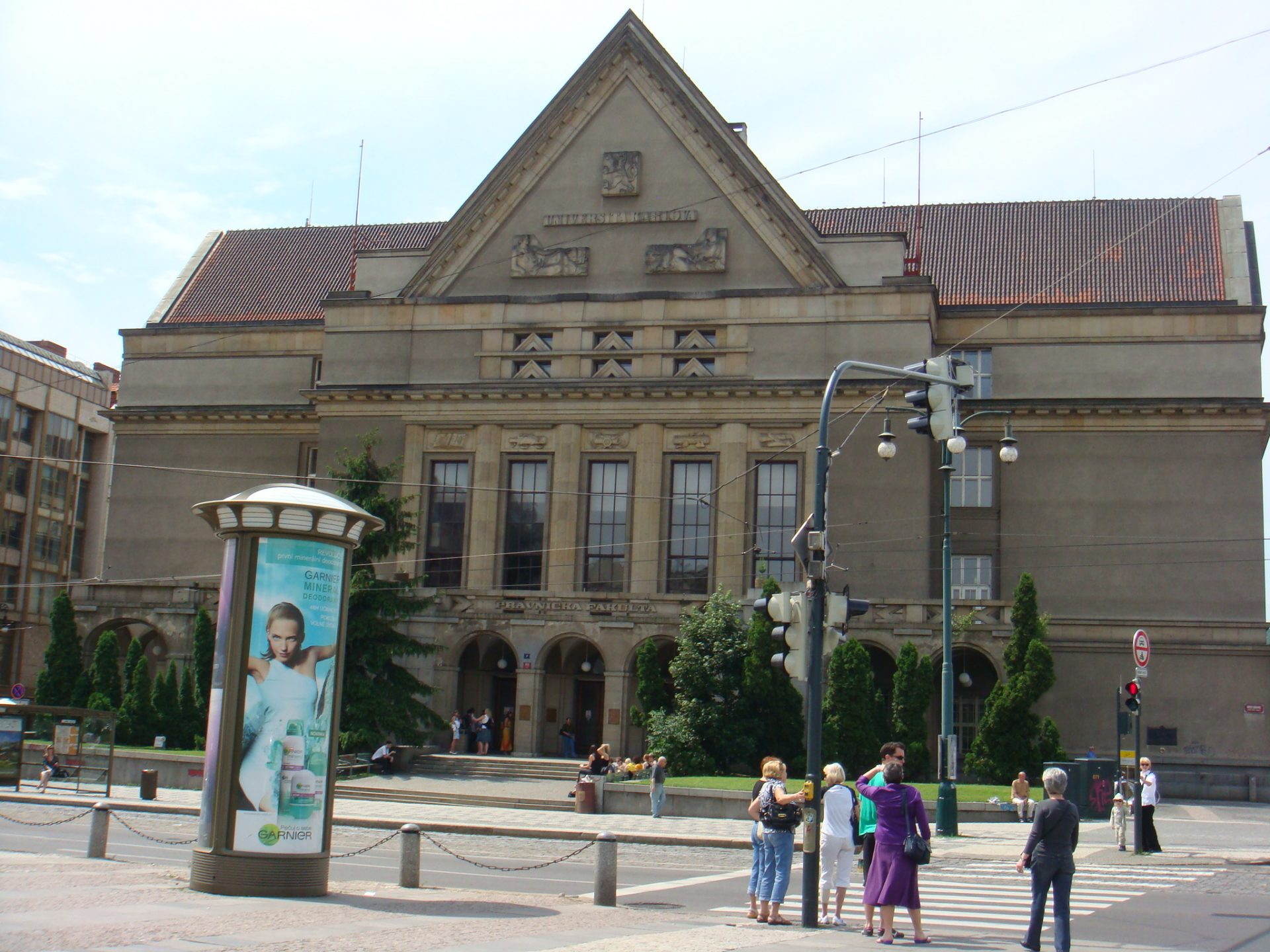 Karlova Universita Law School