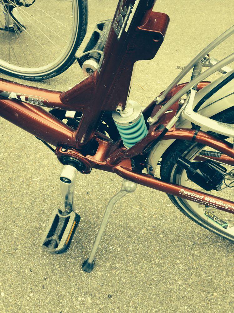 Bike w/shock absorber